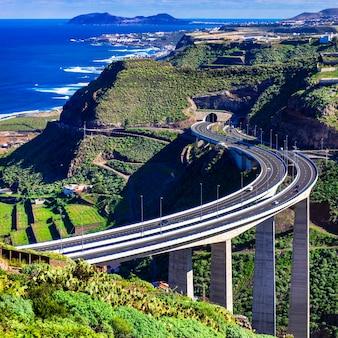 Wyspa gran canaria - widok z imponującym mostem w górach