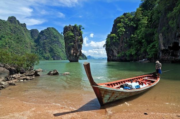 Wyspa jamesa bonda, phang nga, tajlandia.