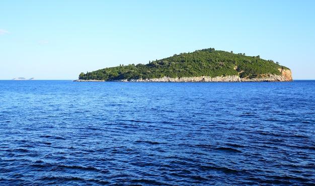 Wyspa lokrum w pobliżu dubrownika w chorwacji
