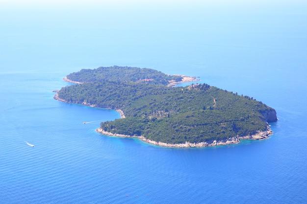 Wyspa lokrum w pobliżu miasta dubrownik, chorwacja
