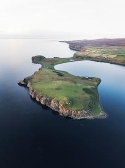Wyspa skye w szkocji z lotu ptaka