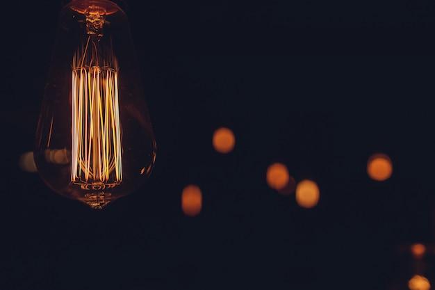 Wystrój oświetlenia, żarnik retro żarówki z bliska