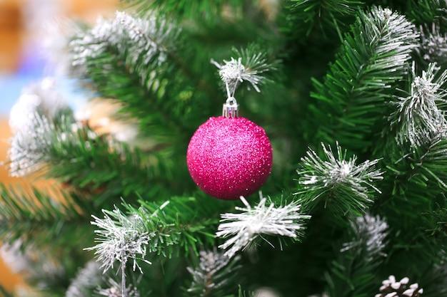 Wyświetlane są elementy dekoracyjne na święta dziękczynienia i boże narodzenie w różnych wzorach i kolorach