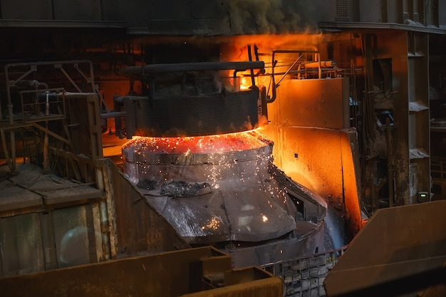 Wytapianie metalu w odlewni