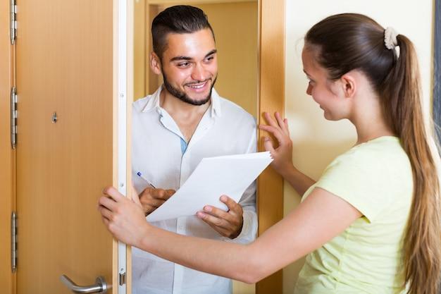 Wywiad w drzwiach