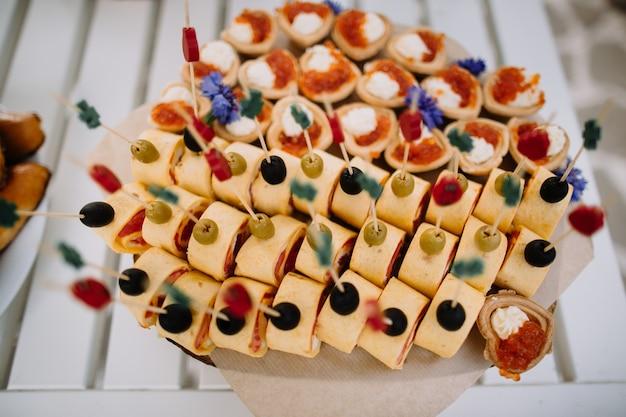 Wyżywienie weselne w formie bufetu na imprezy okolicznościowe