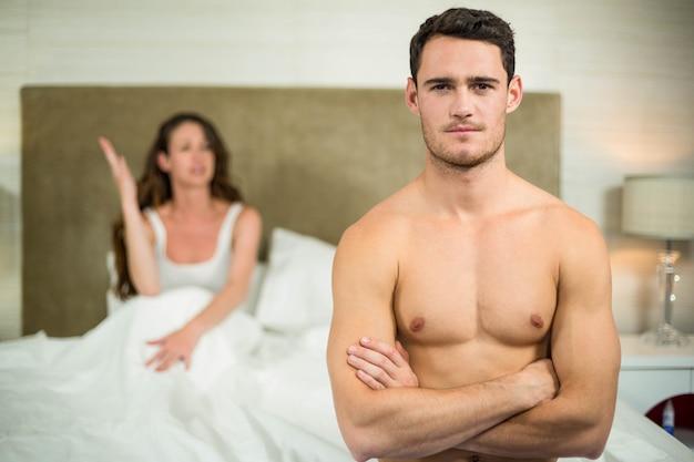Wzburzona para ma argument w sypialni