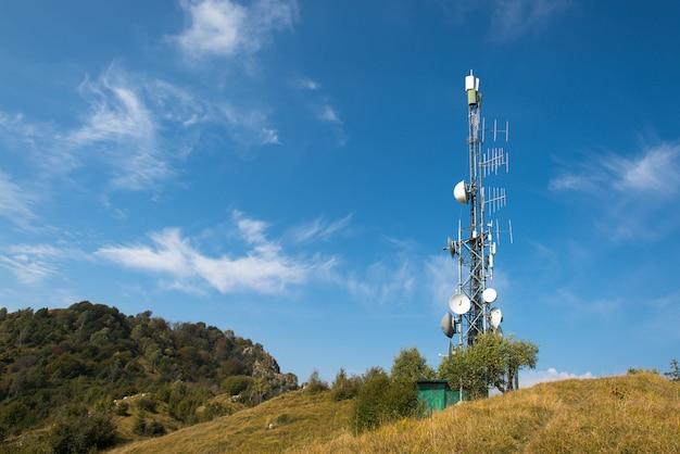 Wzmacniacz anten ethernetowych na wzgórzach