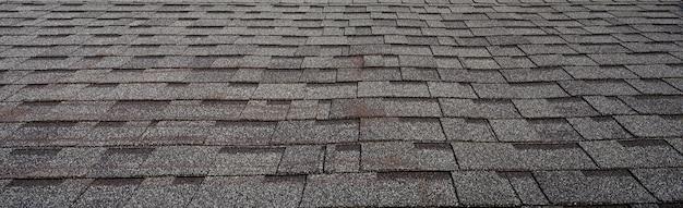 Wzór dachówki z ciemnej gliny granitowej