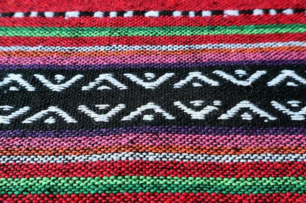 Wzór przeznaczone do walki radioelektronicznej i tekstura kolorowe tajskie regiony północne tradycyjne tkaniny