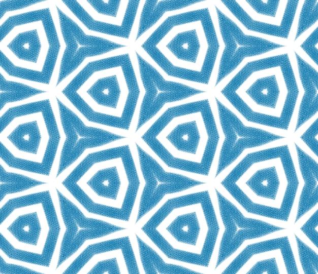 Wzór w paski w stylu chevron. niebieskie tło symetryczne kalejdoskop. tekstylny wspaniały nadruk, tkanina na stroje kąpielowe, tapeta, opakowanie. geometryczny wzór w paski chevron.