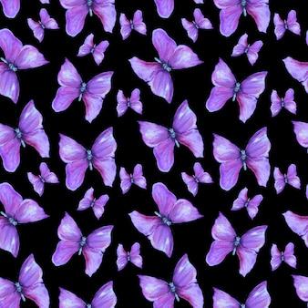 Wzór z fioletowymi motylami