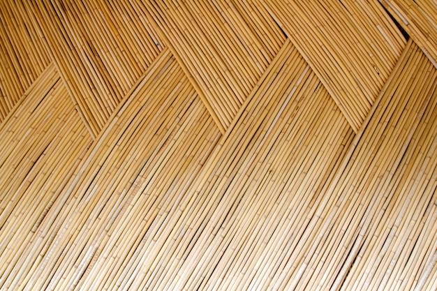 Wzór z przeplotem z suszonych trzciny