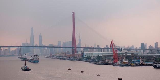 Yangpu most przez huangpu rzekę, szanghaj, chiny