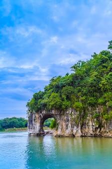 Yangshuo xingping lijiang rzeki krajobraz naturalny krajobraz