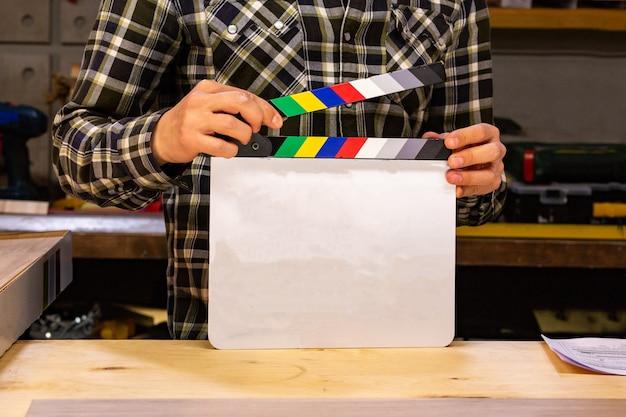 Za kulisami produkcji wideo lub kręcenia filmów w studio