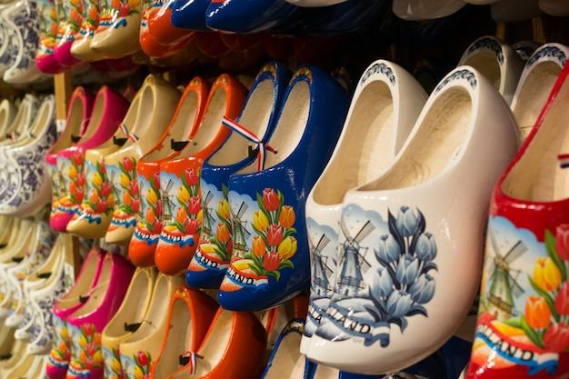 Zaanse schans, holandia - klompen, zatykają holenderskie drewniane buty