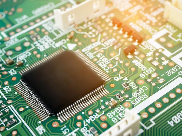 Zaawansowana technologicznie elektroniczna płytka drukowana (pcb) z technologią procesorów mikrochipów