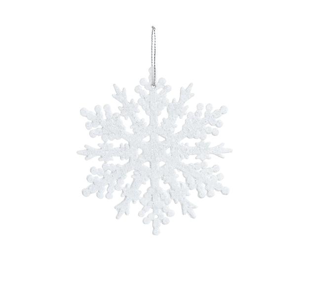 Zabawka biały śnieżynka z błyszczy i liny na białym tle.