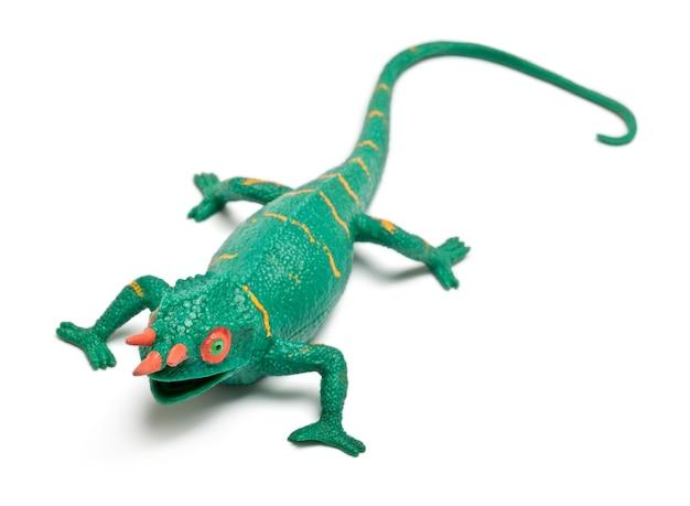 Zabawka kameleon na białym tle