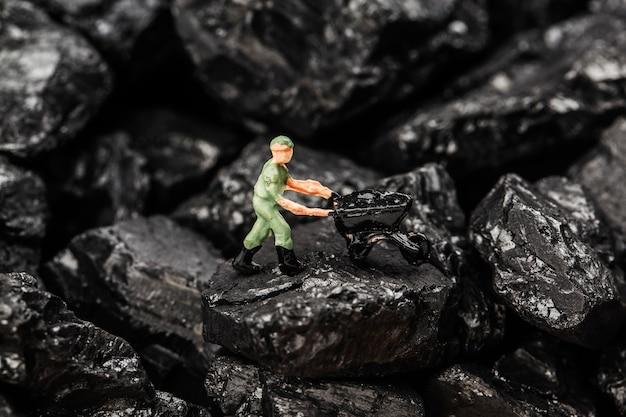 Zabawkowa figurka symulująca wydobycie węgla