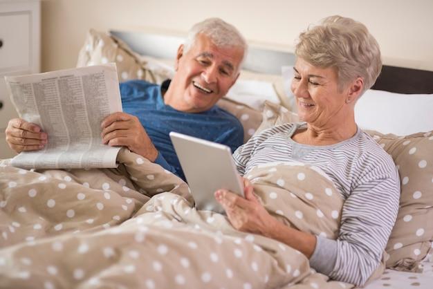Zabawne chwile podczas czytania wiadomości