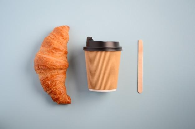 Zabierz kawę, widok z góry, leżał płasko.