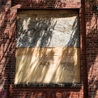 Zabite deskami okno budynku, minneapolis, hennepin county, minnesota, usa