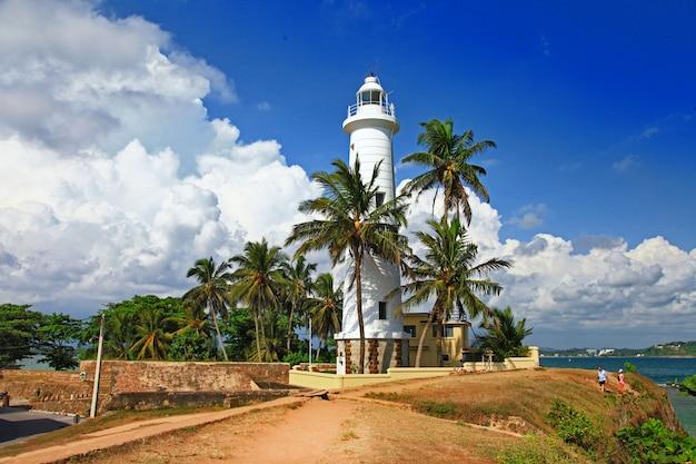 Zabytki sri - lanki - latarnia morska w forcie galle na południu wyspy