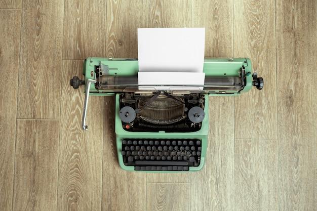 Zabytkowa maszyna do pisania. maszyna do pisania vintage