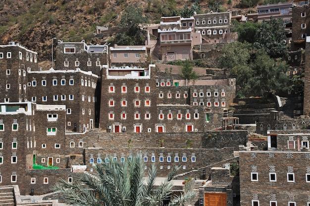 Zabytkowa wioska rijal almaa w arabii saudyjskiej