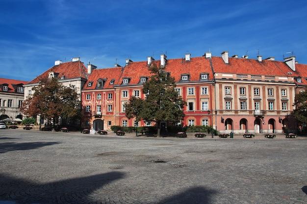 Zabytkowy budynek w warszawie polska