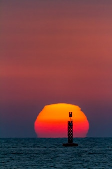 Zachód słońca na plaży sanlucar de barrameda