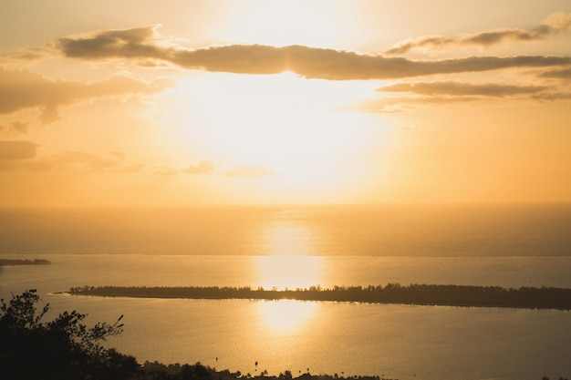 Zachód słońca na wyspie mauritius