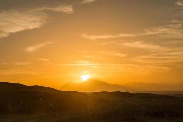 Zachód słońca nad saharą