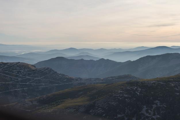 Zachód słońca w sierra de francia salamanca hiszpania