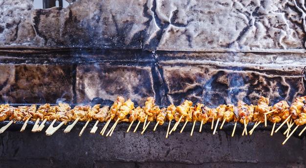 Zakąska, tradycyjne tajskie jedzenie uliczne