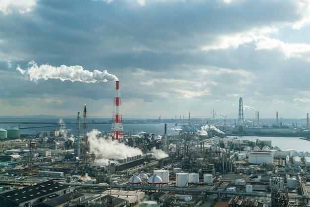 Zakład produkcyjny w strefie przemysłowej
