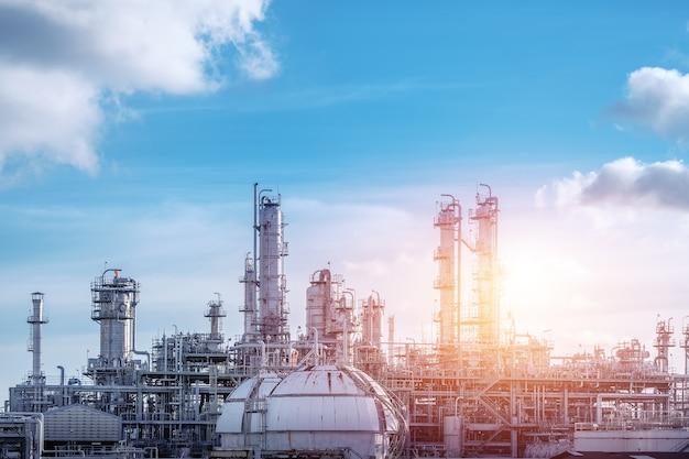 Zakład przemysłowy petrochemiczny