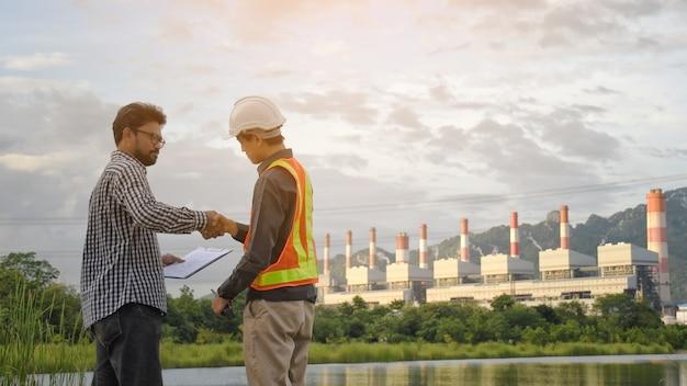 Zakłady inżynieryjne do wytwarzania energii elektrycznej.