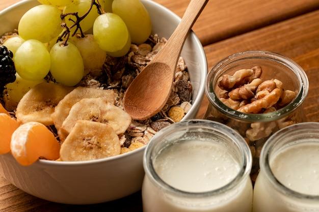 Zakończenia zdrowy śniadanie na stole