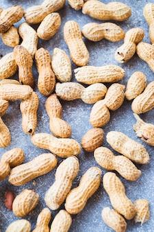 Zakończenie arachidy w skorupie