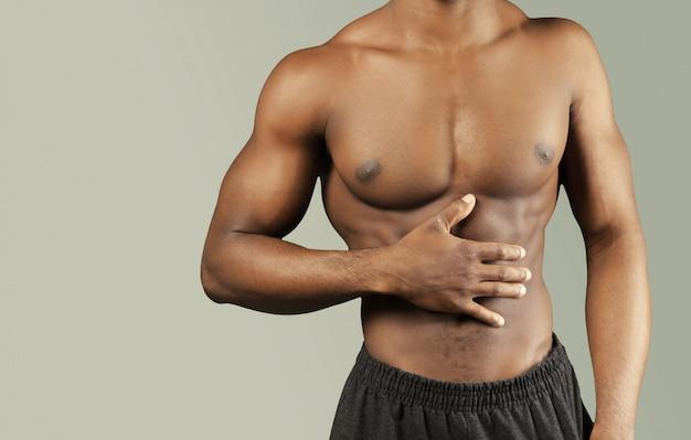 Zakończenie fotografia afro amerykański mięśniowy młody człowiek