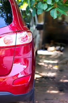 Zakończenie hyundai samochodowi reflektory w plenerowym