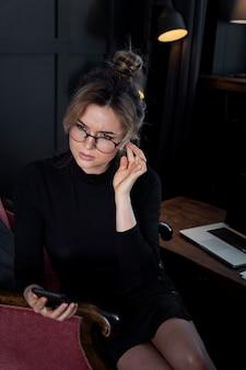 Zakończenie mądrze bizneswomanu główkowanie