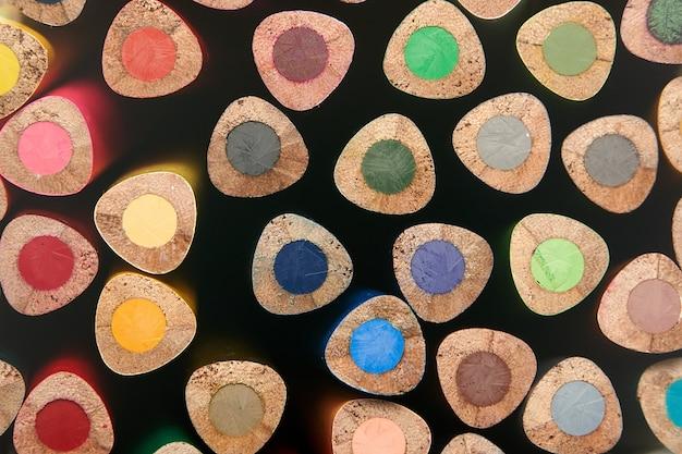 Zakończenie makro- koloru kolorów ołówków stos