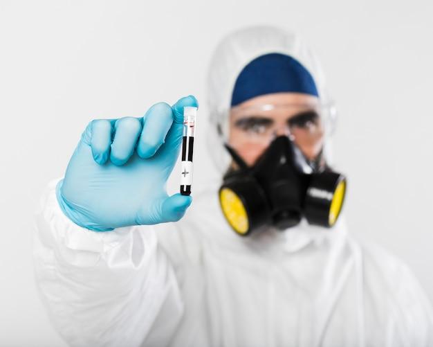 Zakończenie męskiego mienia medyczna próbka
