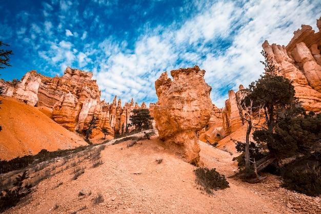 Zakończenie szlaku queens garden trail w bryce national park w stanie utah. stany zjednoczone