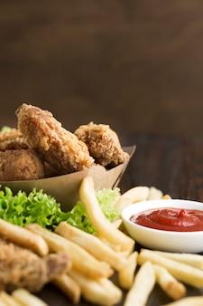 Zakończenie widok amerykański jedzenie z kopii przestrzenią