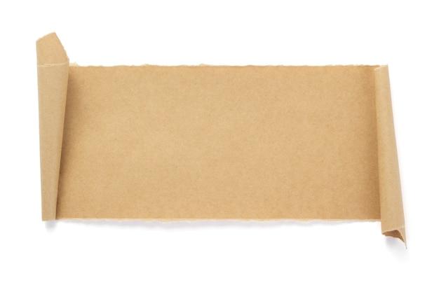Zakrzywiony lub zwinięty papier na białym tle